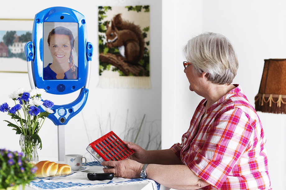 Giraff-telepresence-robot at homeGiraff-telepresence-robot at home.jpg