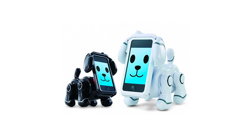 Tamagotchi robot-dog-with-iPhone of Bandai